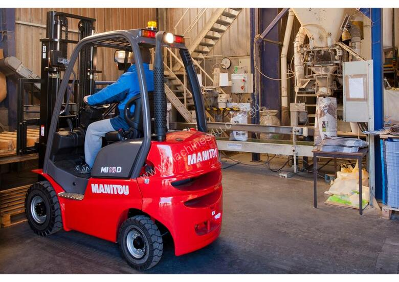 NEW 1.8T MANITOU DIESEL, CONTAINER ENTRY MAST FROM $17.50 + GST PER DAY