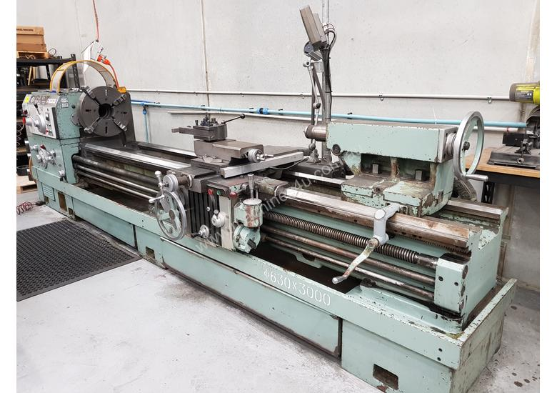 Lathe - 3000mm between centres, 630mm swing