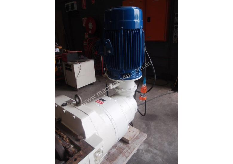 Shredder Mill, 1000mm L x 700mm W.