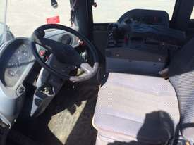 Good Condition Wheel Loader - picture4' - Click to enlarge