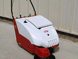 RCM Brava 800 - Walk Behind Sweeper - picture0' - Click to enlarge