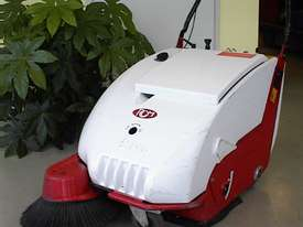 RCM Brava 800 - Walk Behind Sweeper - picture1' - Click to enlarge