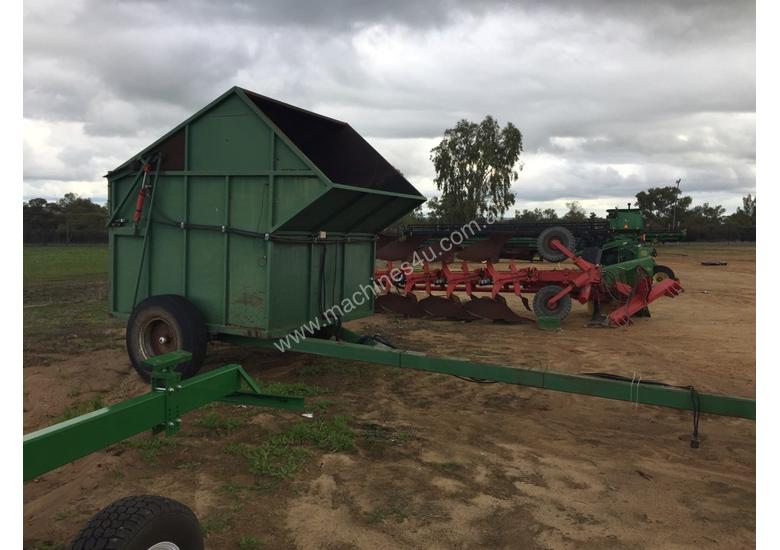 Custom Outback Chaff Cart Multifunction Unit Harvester/Header
