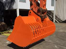 Sieve/Skeleton Buckets - HARDOX Construction - picture1' - Click to enlarge