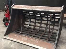 Sieve/Skeleton Buckets - HARDOX Construction - picture5' - Click to enlarge