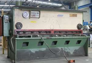 Just In Heavy Duty 2500mm x 6mm Variable Rake Guillotine