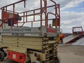 32ft Electric scissor lift JLG - picture2' - Click to enlarge