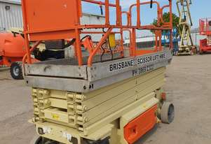32ft Electric scissor lift JLG