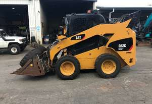 USED CAT262C skid steer loader