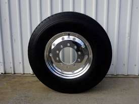 10/285 12.25x22.5 Alcoa Polished Supersingle with 385/65R22.5 Michelin XFE - picture0' - Click to enlarge