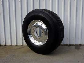 10/285 12.25x22.5 Alcoa Polished Supersingle with 385/65R22.5 Michelin XFE - picture1' - Click to enlarge