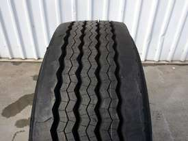 10/285 12.25x22.5 Alcoa Polished Supersingle with 385/65R22.5 Michelin XFE - picture2' - Click to enlarge