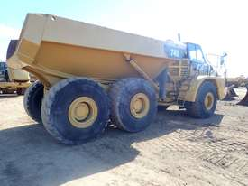 Caterpillar 740 Dump Truck - picture2' - Click to enlarge
