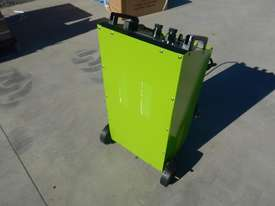 YOULI DFC-650A 12/24 Volt Battery Charger - picture1' - Click to enlarge