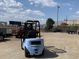 New Utilev 3 Tonne Diesel Container Mast Forklift  - picture0' - Click to enlarge