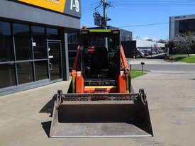 2018 Kubota SVL75 - picture3' - Click to enlarge