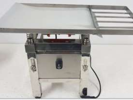 Chocolate Vibrating Table (New) - picture1' - Click to enlarge