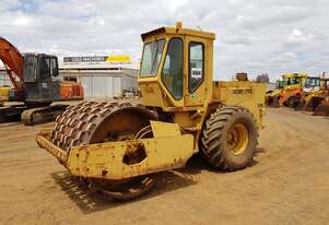 1985 Pacific CP1350 Vibrating Smooth Drum / Padfoot Roller *CONDITIONS APPLY*