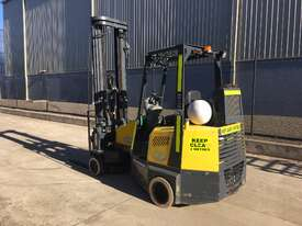 2.0T CNG Narrow Aisle Forklift - picture1' - Click to enlarge