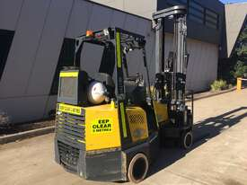 2.0T CNG Narrow Aisle Forklift - picture2' - Click to enlarge