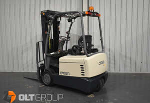 Crown 3 Wheel Electric Forklift 4825mm Lift Height Container Mast Low Hours New Steer Tyres