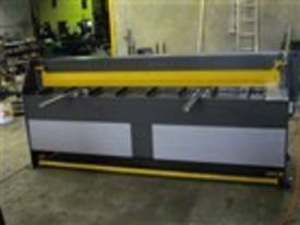 2470mm x 4mm Australian made hydraulic guillotine  - picture12' - Click to enlarge
