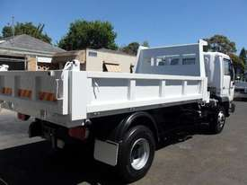 2005 NISSAN UD 175T FOR SALE - picture1' - Click to enlarge