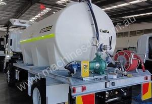 12,500 L WELDING SOLUTIONS POLY WATER CART