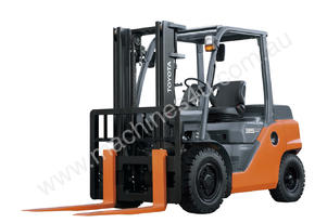 3.5 - 5.0 Tonne 8-Series 4-Wheel Forklift