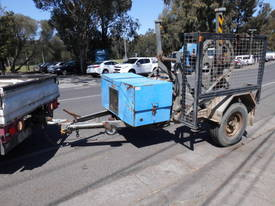 1.5 ton hyd self loader, drum drive , rewinder winch , 1 left in stock - picture0' - Click to enlarge