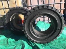 Forklift Tyres 250-15 7 New Old Stock