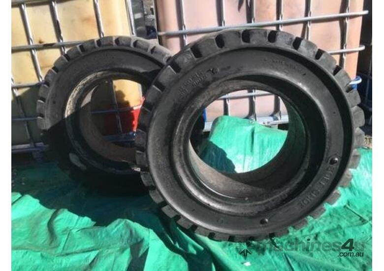 Forklift Tyres New Old Stock 250-15 7