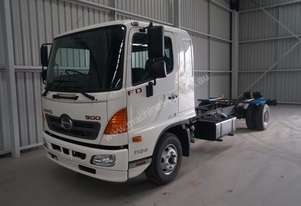 Hino FD 1124-500 Series Cab chassis Truck