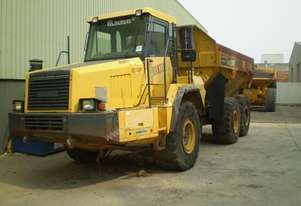PARTS AND WRECKING ARTICULATED  DUMP TRUCK