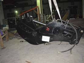 A.R.E 35-45ton Concrete Pulveriser Crusher - picture1' - Click to enlarge