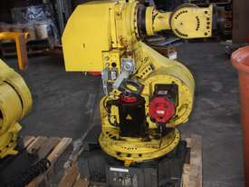 FANUC COMPLETE Robot System R-J3iB - picture0' - Click to enlarge