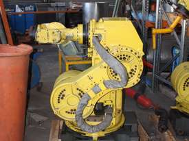 Industrial FANUC COMPLETE Robot System R-J3iB - picture3' - Click to enlarge