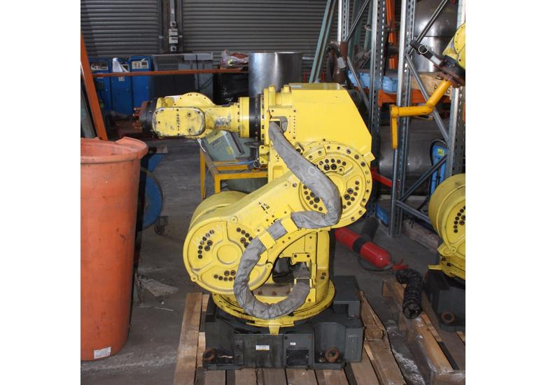Industrial FANUC COMPLETE Robot System R-J3iB
