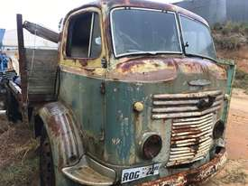 COMMER FIRST CAB OVER MODEL 1954 PETROL - picture4' - Click to enlarge