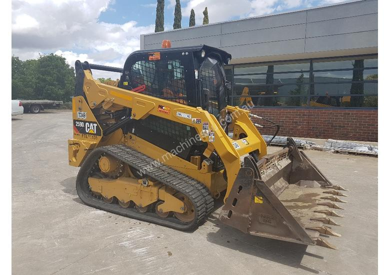 2017 CAT 259D TRACKED LOADER