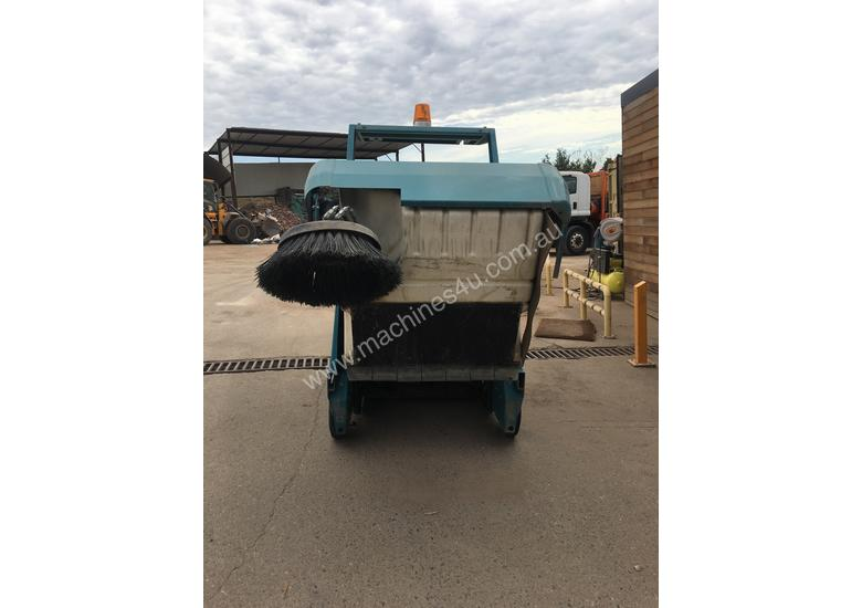 Industrial Ride On Sweeper