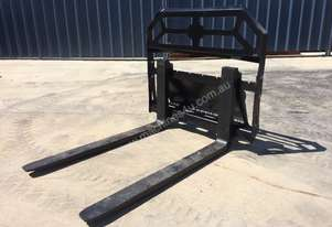 UNUSED MINI LOADER 900KG SLIDING PALLET FORKS