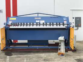 Heavy Duty 2500mm x 4mm Full Hydraulic NC Programmable Panbrake - picture0' - Click to enlarge