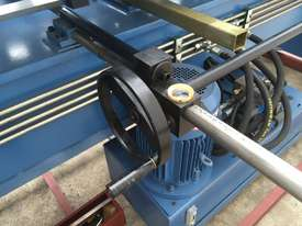 Heavy Duty 2500mm x 4mm Full Hydraulic NC Programmable Panbrake - picture5' - Click to enlarge