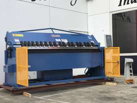Heavy Duty 2500mm x 4mm Full Hydraulic NC Programmable Panbrake - picture6' - Click to enlarge