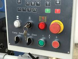Heavy Duty 2500mm x 4mm Full Hydraulic NC Programmable Panbrake - picture9' - Click to enlarge