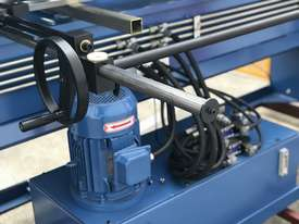 Heavy Duty 2500mm x 4mm Full Hydraulic NC Programmable Panbrake - picture17' - Click to enlarge
