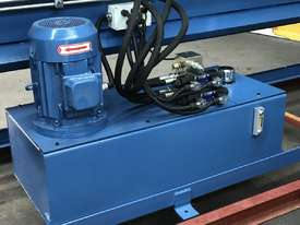 Heavy Duty 2500mm x 4mm Full Hydraulic NC Programmable Panbrake - picture18' - Click to enlarge