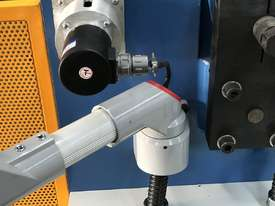 Heavy Duty 2500mm x 4mm Full Hydraulic NC Programmable Panbrake - picture19' - Click to enlarge