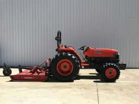 Kubota L4400D FWA/4WD Tractor - picture1' - Click to enlarge